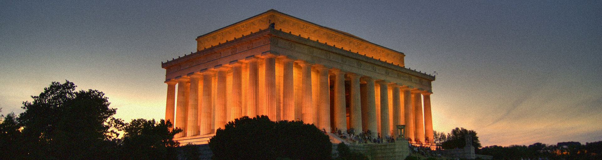 The Lincoln Memorial monument in Washington, DC at sunset